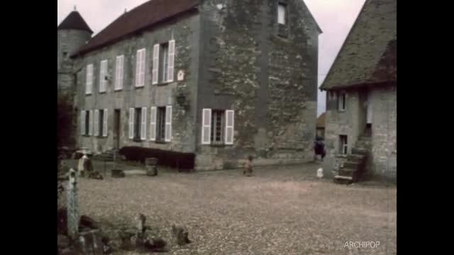 Famille à St Crépin - Ferme - Travaux agricoles