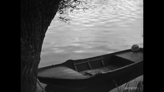 Famille à Pont-Sainte-Maxence : jardinage, enfants, sortie en barque, barrage.